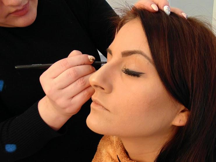 Novogodišnju noć, Make up vodič: Drage moje okitite jelku, a ne sebe. Spremno dočekajte Novogodišnju noć!, Gradski Magazin