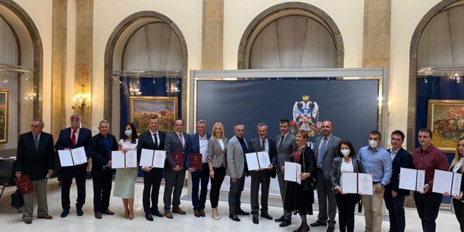 """Ministarstvo rada odalo priznanje fabrici """"Vlasinka"""" za izuzetna postignuća u oblasti bezbednosti i zdravlja na radu"""